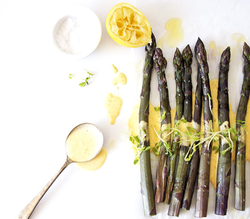 "Grilled Asparagus with ""Fail-proof"" Hollandaise Sauce. Recipe and photos The Luminous Kitchen"