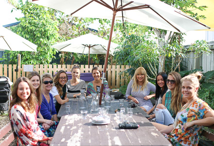 Some of the Gold Coast Bloghearts catching up over spelt pizzas and ginger kombucha