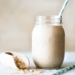 Creamy Oatmeal Smoothie || The Luminous Kitchen